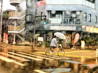 雨中の自転車🚲の写真・画像素材[1238837]