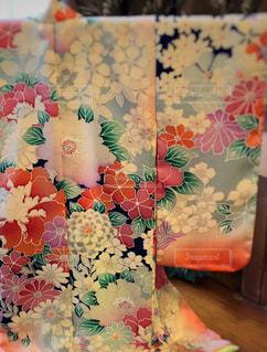 近くの花のアップの写真・画像素材[1687715]