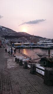 海辺の夕日の写真・画像素材[1120117]