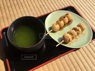 畳と和菓子の写真・画像素材[1148673]