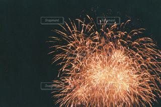 空に花火の写真・画像素材[1849094]