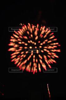 空の花火の写真・画像素材[2334118]