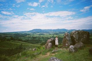 空と岩の写真・画像素材[2381539]