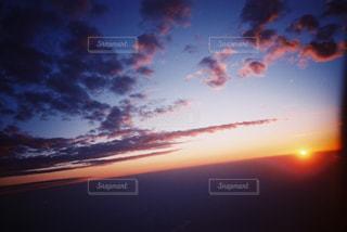 夕焼けの眺めの写真・画像素材[2381582]