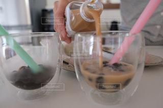 テーブルの上でお茶を一杯の写真・画像素材[2939228]