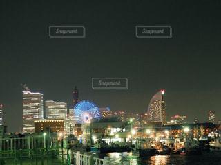 夜の街の景色の写真・画像素材[1128007]