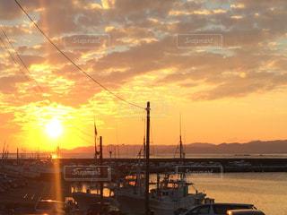 漁師町の夕暮れの写真・画像素材[1123723]