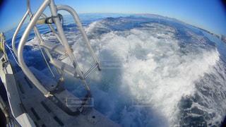 ボートの波の写真・画像素材[1125587]