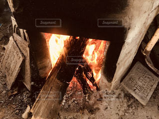 かまどの火の写真・画像素材[1693251]