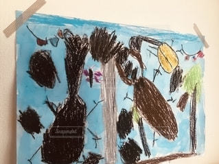 子供の描いた絵の写真・画像素材[2699637]
