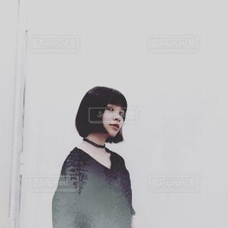黒のドレスを着ている人の写真・画像素材[1244511]