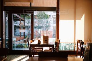 夕方のカフェの写真・画像素材[1127631]