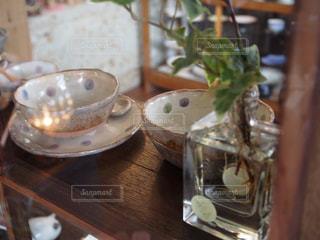 益子焼と花の花瓶の写真・画像素材[749568]