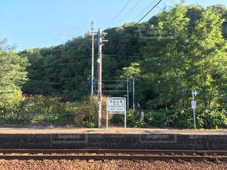 田舎の無人駅のホーム 北海道小樽市蘭島駅の写真・画像素材[1129746]