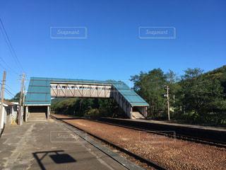 田舎の無人駅のホーム 北海道小樽市蘭島駅の写真・画像素材[1129747]