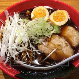 富山駅前 麺屋いろはの富山ブラックラーメンの写真・画像素材[1130386]
