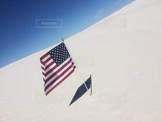 近くの旗のアップの写真・画像素材[1130866]