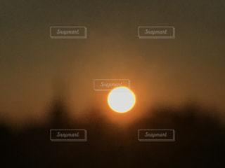 背景の夕日の写真・画像素材[1131405]