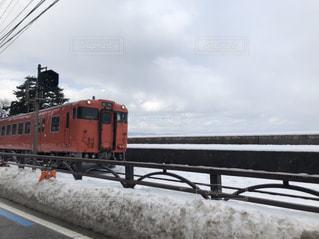 雪に覆われた鉄道の写真・画像素材[1138621]