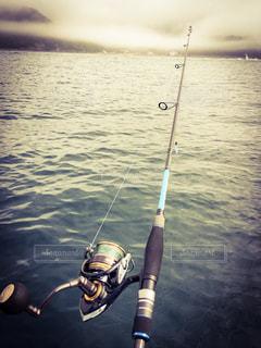 小さなボートの上からの写真・画像素材[1136324]
