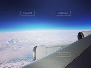 雪に覆われた飛行機 - No.1135693