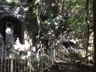 鋸山の小さな仏像と小道 - No.1138007