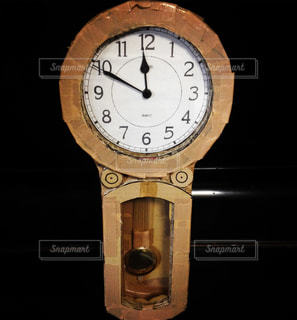 ダンボール柱時計の写真・画像素材[1136595]