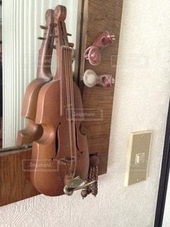 バイオリンの飾りものの写真・画像素材[1142966]