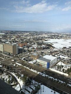 雪に覆われた金沢市の写真・画像素材[1136717]