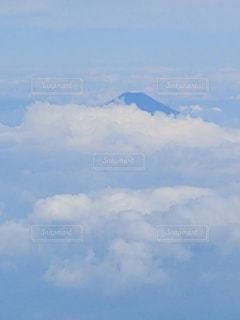 雲の中の富士山の写真・画像素材[1449922]