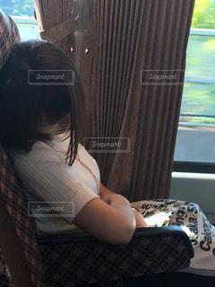 疲れている女性の写真・画像素材[1181415]