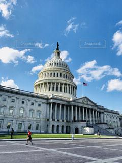 米国の国会議事堂の前の写真・画像素材[1155955]