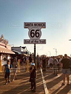 サンタモニカ、ルート66の終着地点の写真・画像素材[1157249]