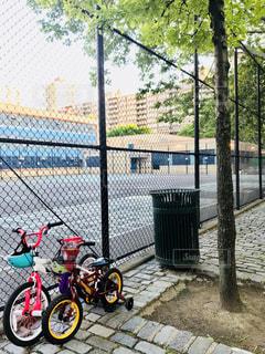 マンハッタンの小学校と自転車の写真・画像素材[1211246]