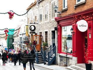 ケベックシティのクリスマス前の通りの写真・画像素材[1596607]
