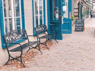 カナダのメープルリーフ模様のベンチの写真・画像素材[1644534]