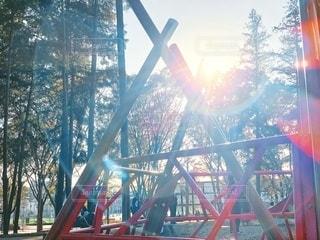 日差しと遊具の写真・画像素材[2745157]