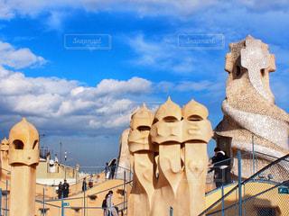 大きな白い建物のカサ ミラの写真・画像素材[1139796]