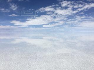 ウユニと空と雲地平線の写真・画像素材[1141384]