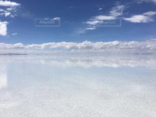 空と雲 ウユニの絶景の写真・画像素材[1141385]