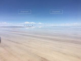 空と湖 ウユニ塩湖の写真・画像素材[1141389]