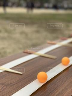 箸はこび競争 ピンポン玉の写真・画像素材[1141883]
