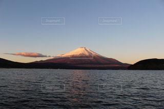 朝日に染まる富士の写真・画像素材[1145043]