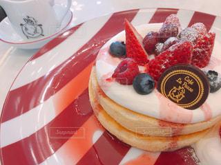 いちごのパンケーキの写真・画像素材[1142115]