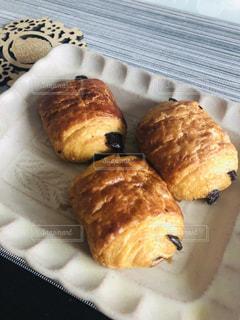 遅めの手抜き朝食の写真・画像素材[1651911]