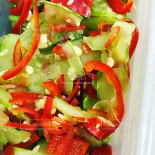 野菜の塩もみの写真・画像素材[1143075]