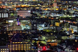 夜の街の景色の写真・画像素材[1691318]