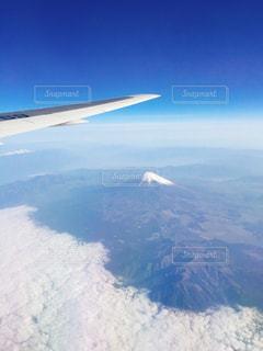 雪の覆われた山々 の景色の写真・画像素材[1143489]