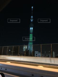 クロック タワーは夜ライトアップの写真・画像素材[1144209]