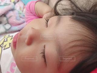 愛娘の寝顔の写真・画像素材[1168484]